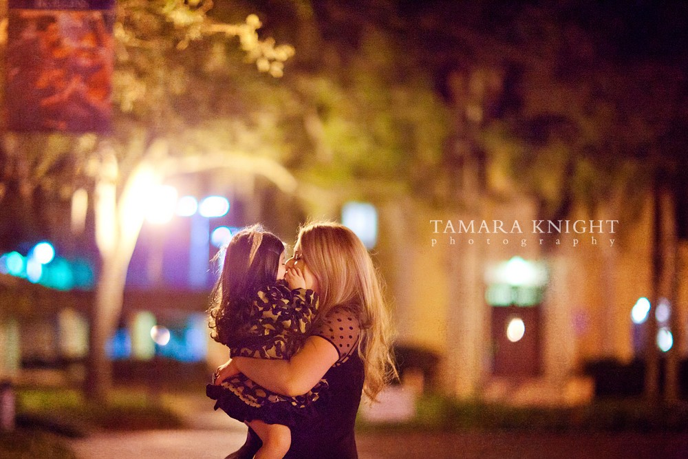 kisses mother daughter little cutie,  orlando photographer. Visit www.tamaraknight.com