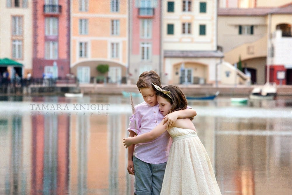 Sister and brother in Portofino Bay Hotel Orlando by orlando photographer
