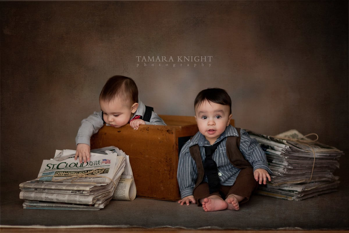 Stylized shoot for twin boys based on Newsies by Orlando photographer