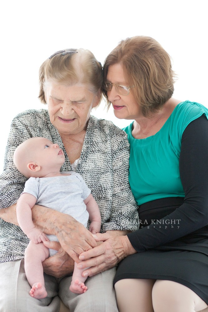 Generation shoot: great grandmother, grandmother and their grandchild by Orlando photographer