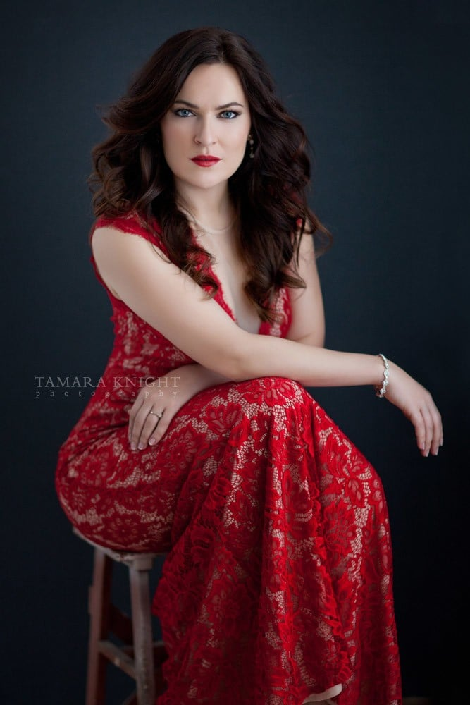 Beautiful portrait of a beautiful young woman by a modern beauty photographer, hair and makeup, Orlando photographer, Orlando beauty