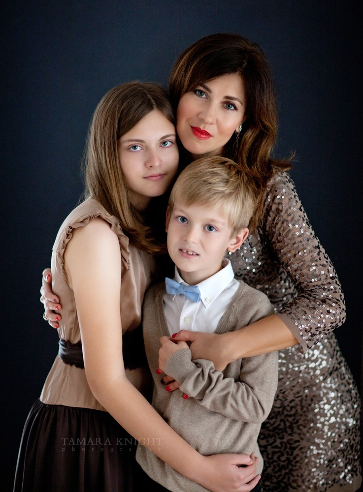 Mom with children portrait by Orlando family photographer