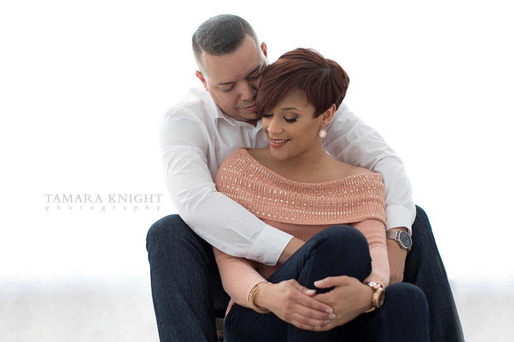 couples-photoshoot-sweet-embrace | Tamara Knight Photography