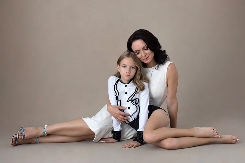 mother-and-daughter-in-white