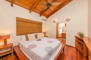 costa-rica-oceanfront-beach-house-rental-playa-grande-casa-costa-palmera-interior-guest-services
