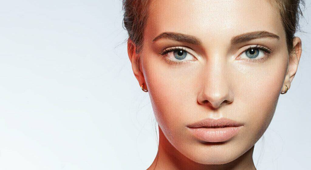 5 Hacks to Achieve the No-Makeup Look