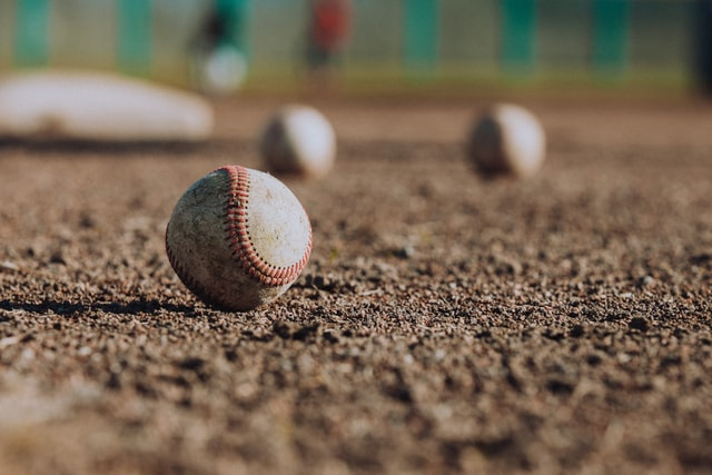 Hank Aaron, MLB legend, dead at 86