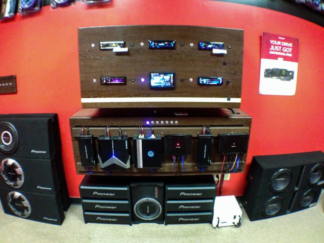 mobile-electronics-soundroom-3