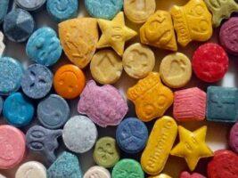 Éxtasis, la droga que acecha en las discos