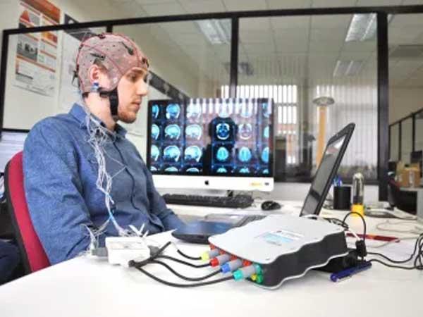 Manejar máquinas con el pensamiento