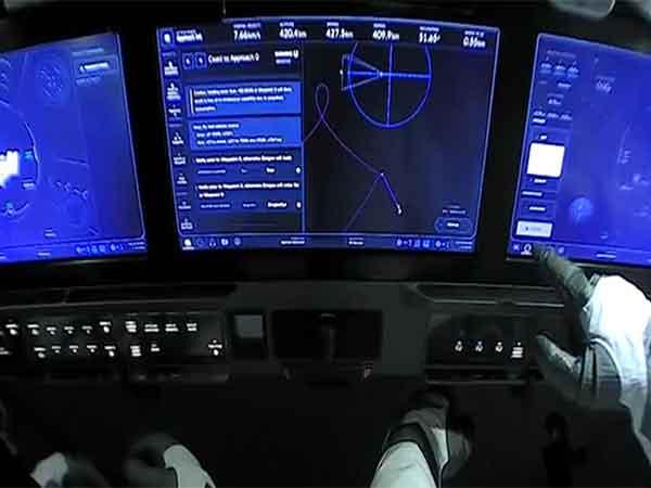 spacex lanza simulador de vuelo