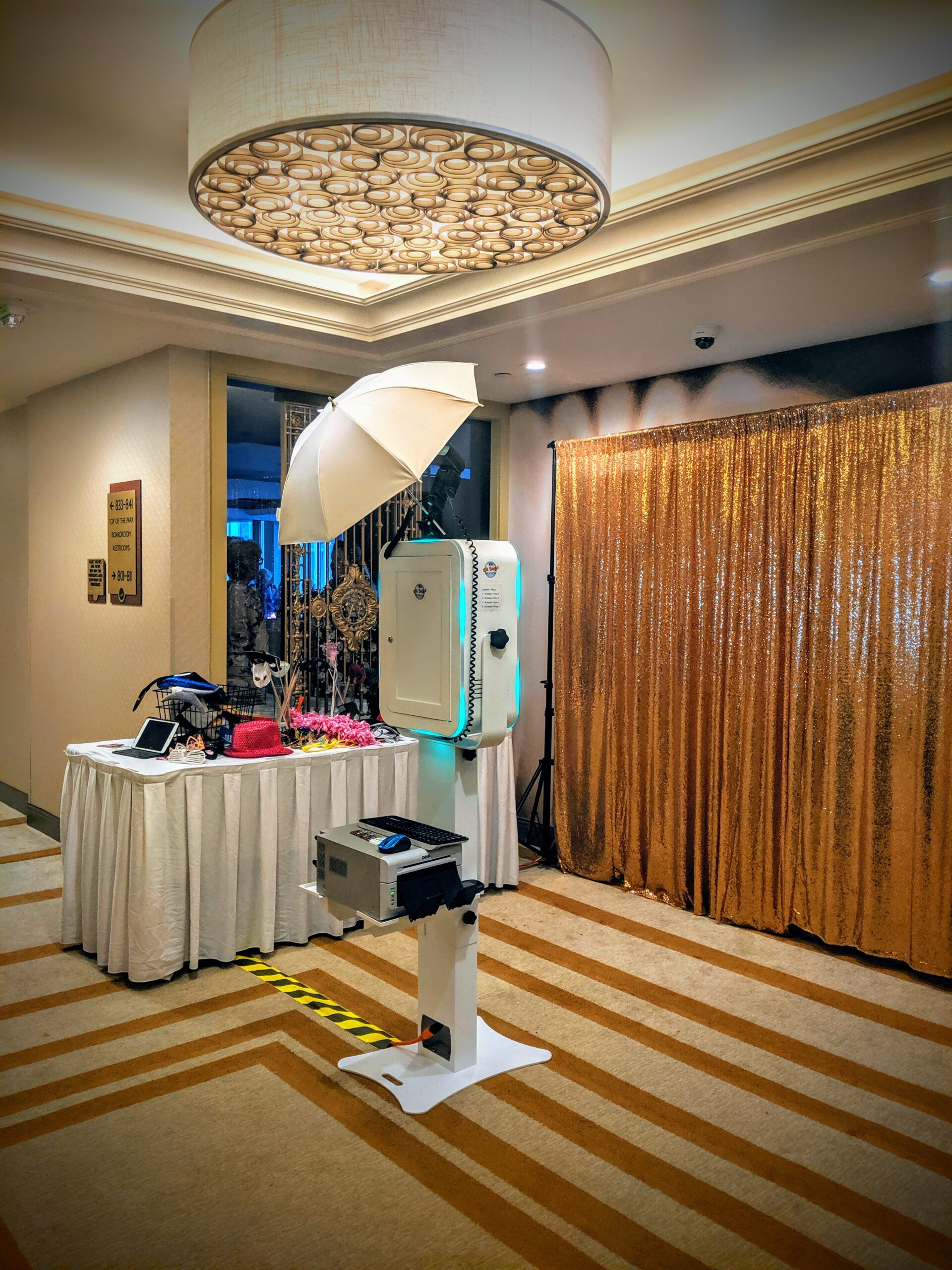 Photo booth equipment