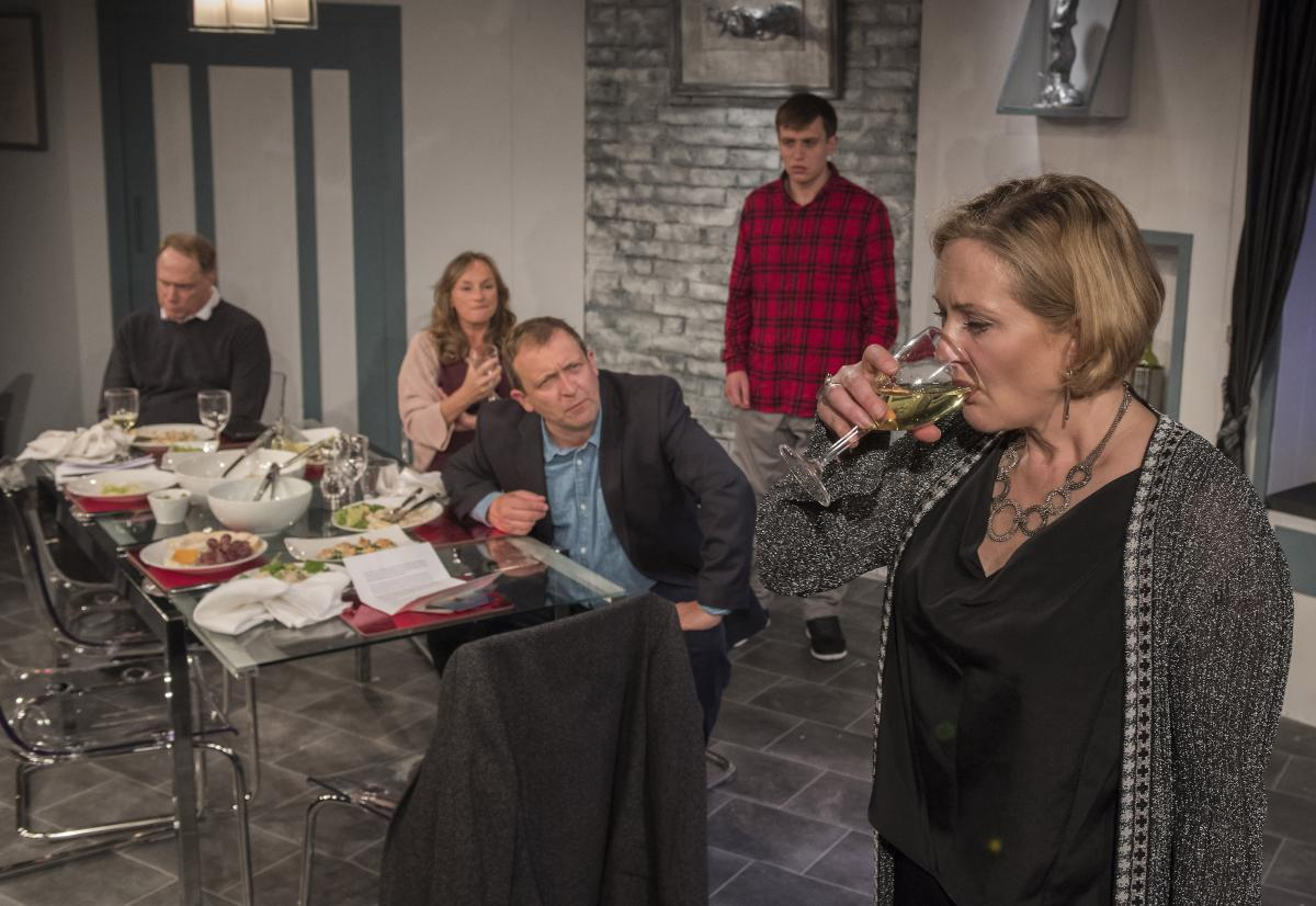 Todd Boyce (Michael), Lisa Stephenson (Tamara), Alex Lowe (Bill) David Leopold (Curtis) and Lucy Robinson (Debora) in Late Company - credit Alastair Muir (411)