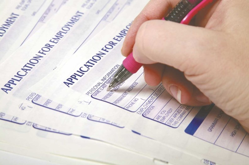 Tips for Deciding How Many Jobs to Include on Job Applications