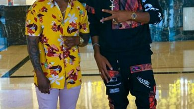 Photo of Jah Prayzah and Mr Bow tease fans.