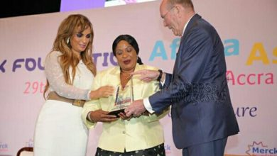 Photo of First lady honoured with award.