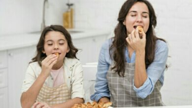 Photo of The Do's and Don'ts when it comes to teaching your kid eating habits.