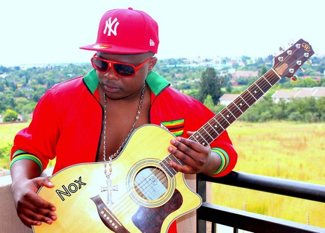 Photo of Nox Guni's wife caught on the wrong side