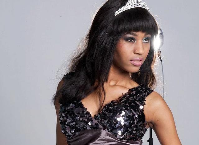 Queen Vee2