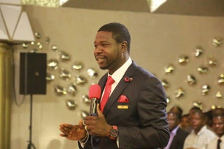Photo of Prophet Walter Magaya implicated in yet another fraud storm
