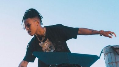 Photo of Nasty C takes King 98 on board.