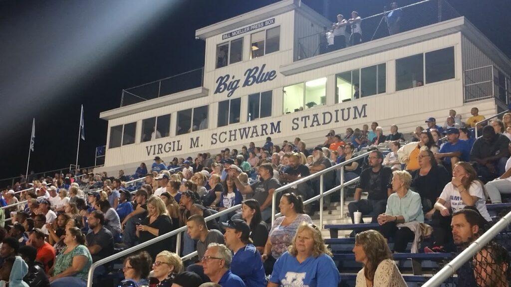 Hamilton_Virgil_Schwarm_stadium