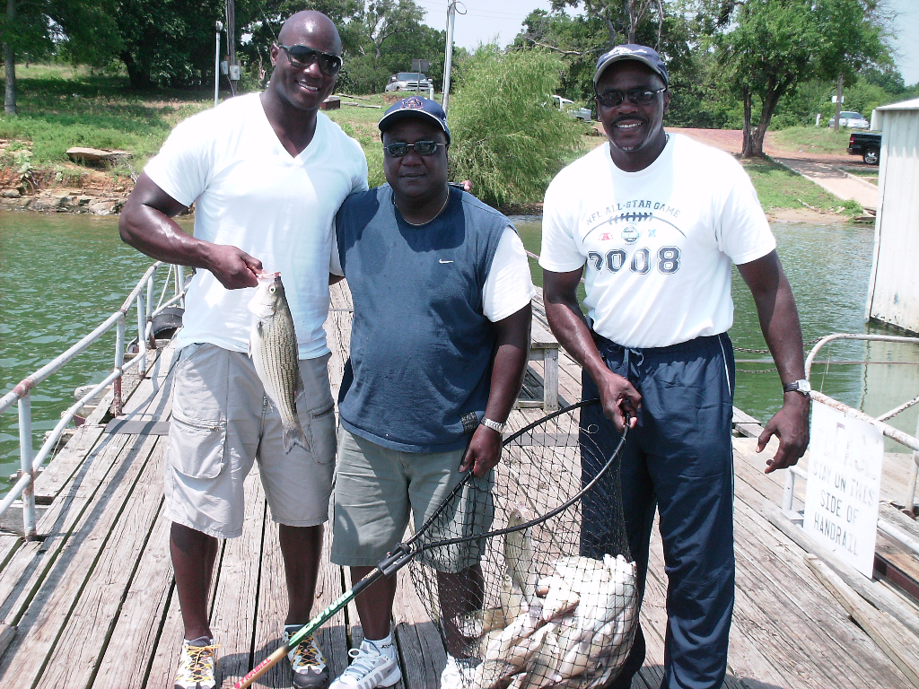 Dallas Cowboys family fishing, Hybrids and Sand Bass