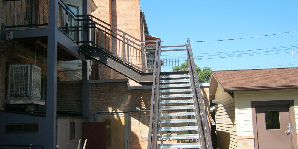 large-stairs02.jpg