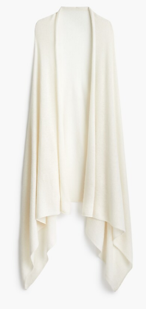Oversized White Wrap perfect for Winter Travel.