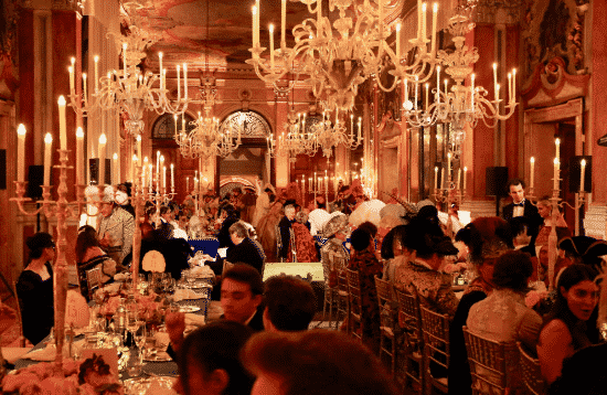 These are the articles that have caught our attention this week. New York Social Diary Carnival Gala in Venice