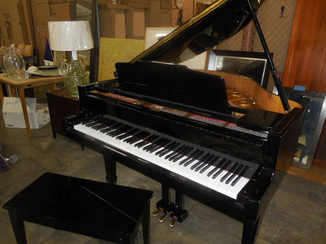baby grand YES co