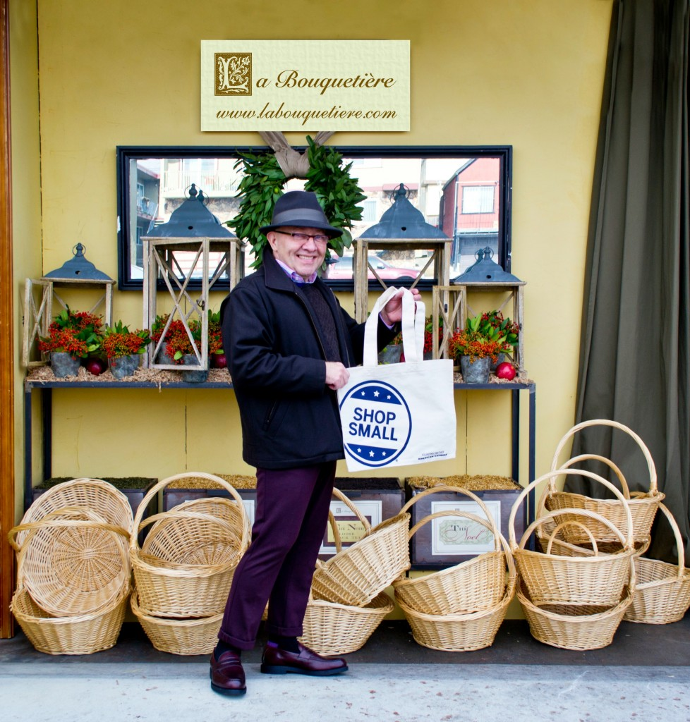La Bouquetiere's creator, Mario Salas, opens his warehouse doors for locals to enjoy luxurious home & body products at amazing discounts. #SBS
