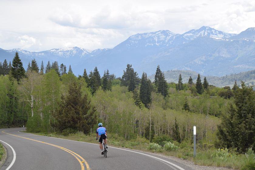 monitor-pass-road-bike-ride