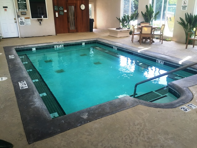 RiverVista RV Resort -indoor pool