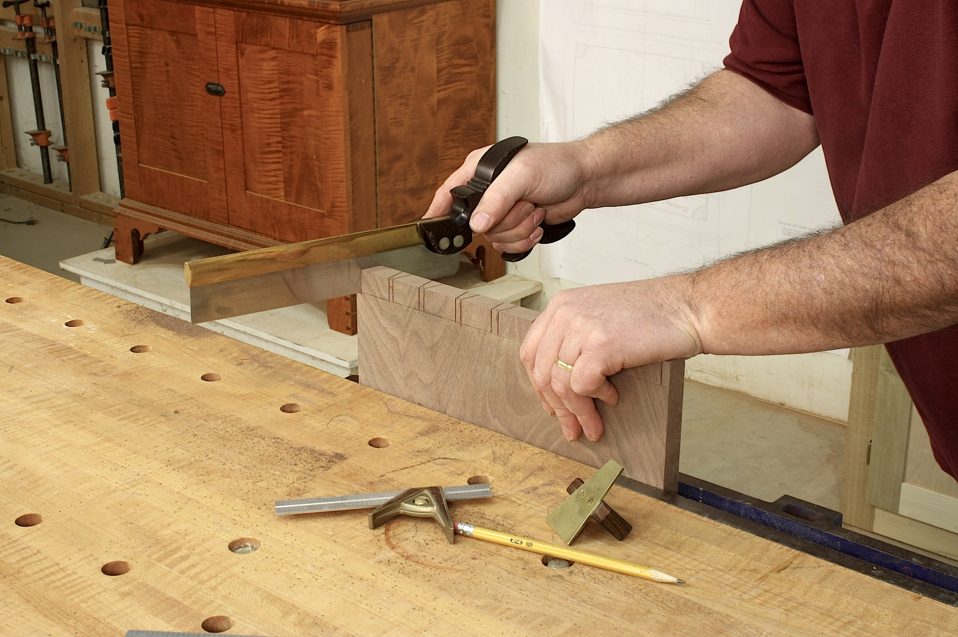 Dovetail cutting tips