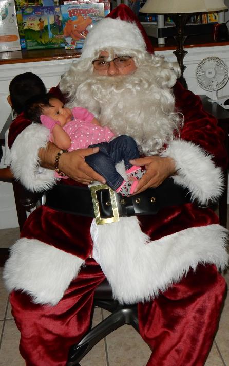 2 BIG Santa smallwith baby