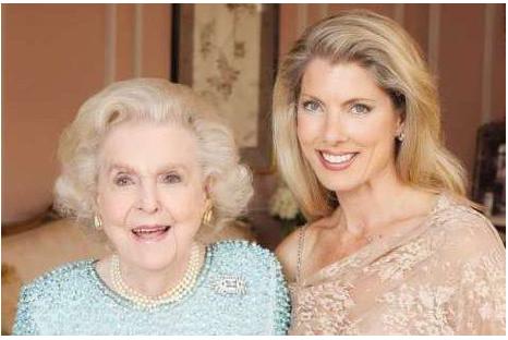 Ellen M. Cavert, Women's Board Founder/Chair Emerita/2015 EVE Lifetime Award Recipient, with her granddaughter, 2014-2016 Women's Board President Grace M. Sarber