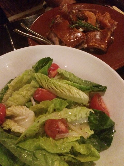 salad with suckling pig