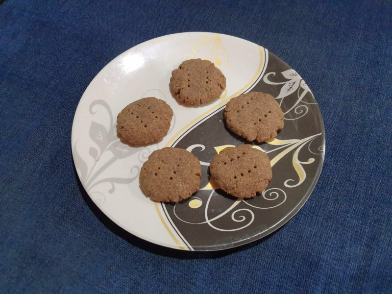 Ragi Whole Wheat Biscuit without Baking Soda