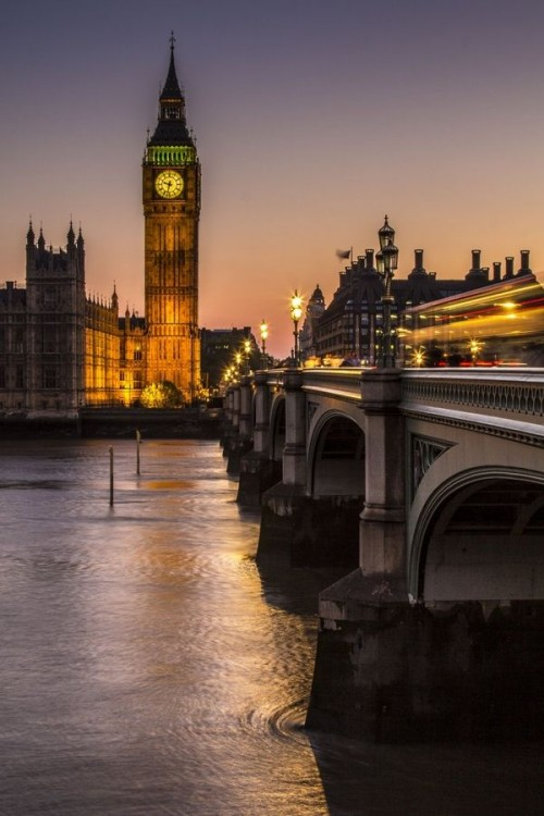 London, is located at the north end of the Palace of Westminster.