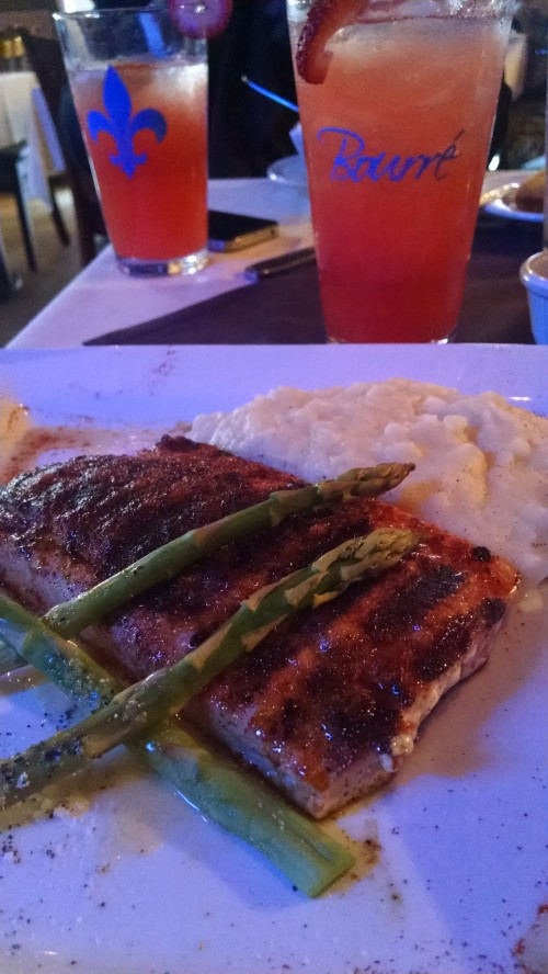 Salmon with asparagus and mash potatoes with Strawberry lemonade to drink.