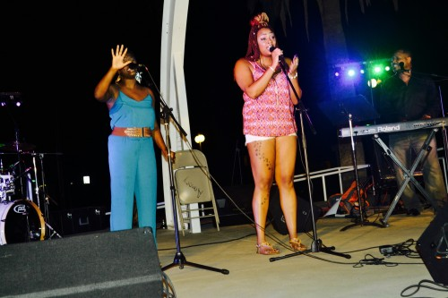 Amazing vocalist' Diamond Hamilton and Tanishia Hamilton (Blue) perform at Soul