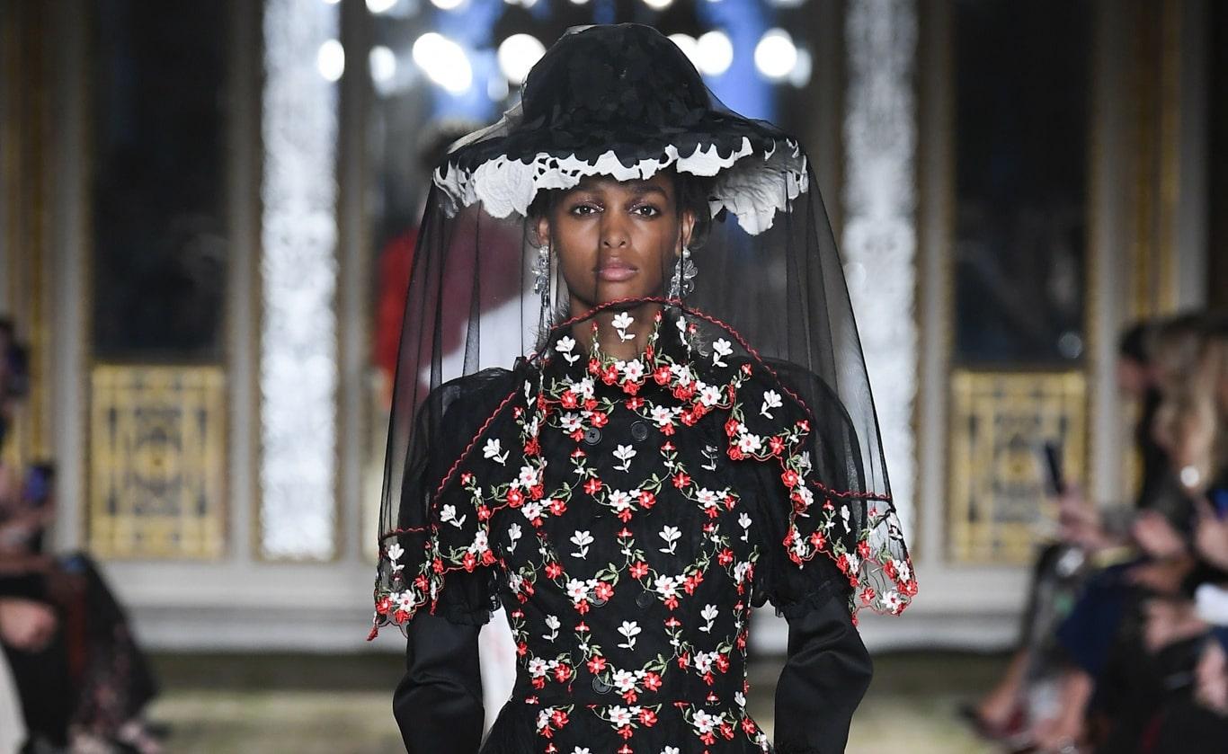 simone-rocha-rtw-spring-2019-london-fashion-week-3311-min