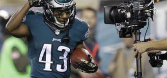 Defense, special teams help Eagles rout Panthers
