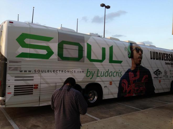 Ludacris tour bus