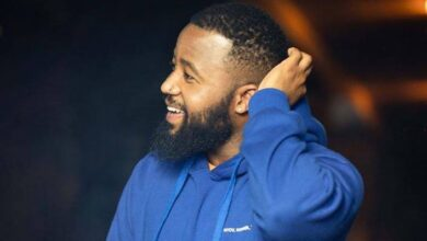 Photo of Pics! Cassper Shares Photos Of Himself Posing With Baby Momma Right After She Gave Birth