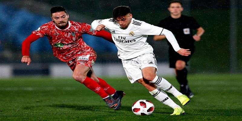 VÍDEO | Highlights | Real Madrid Castilla vs Guijuelo | 2ª División B – Grupo I | J14