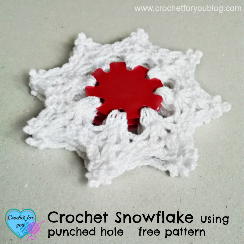 Crochet Snowflake using punched hole – free pattern