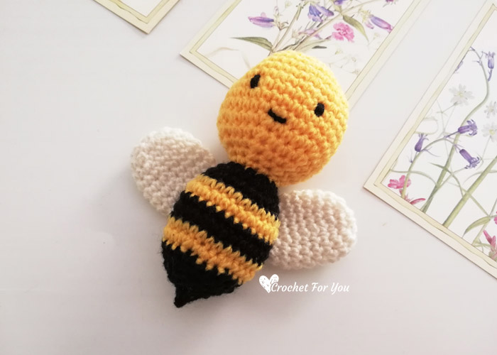 20 Free Crochet Patterns for Bees • Oombawka Design Crochet | 500x700