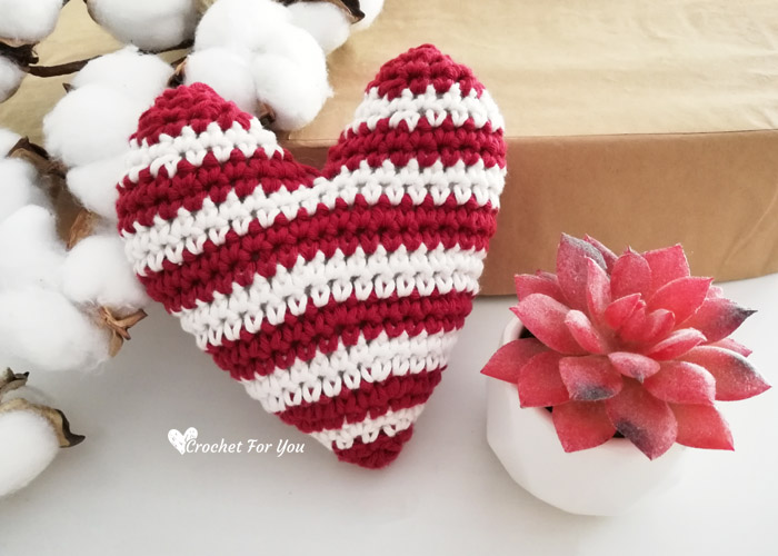 Pink Amigurumi Crochet Heart - Set Of 2, Cake Topper #2413700 ... | 500x700